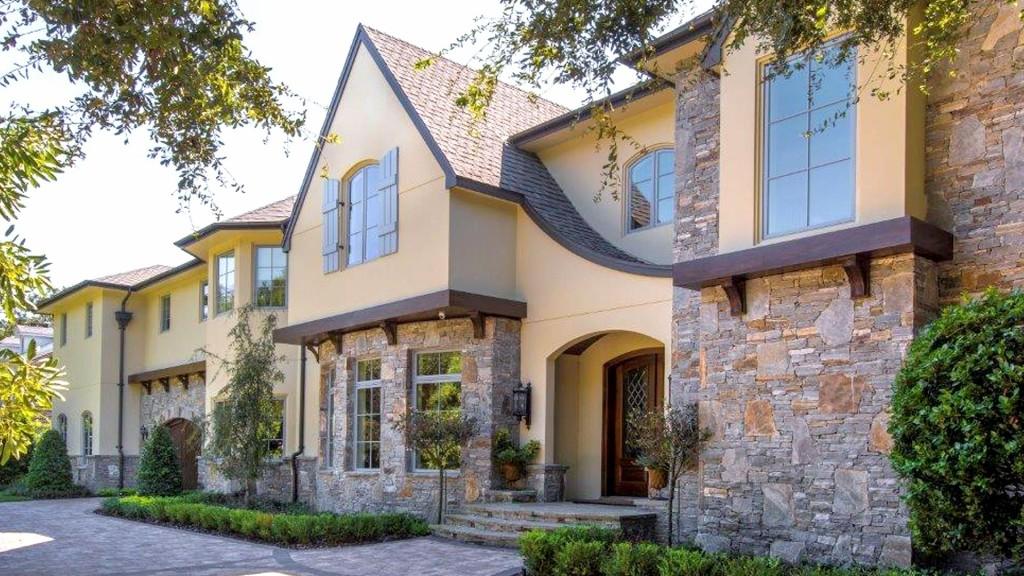 Design Build - 6702 Benjamin Rd. #300 • Tampa, FL 33634